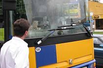 Srážka autobusu s dodávkou v Břeclavi.