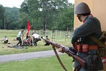 Na Pohansku se střílelo, bojovou ukázku viděly stovky lidí