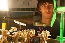 Studenti břeclavské průmyslovky se ukázali se svými vynálezy.
