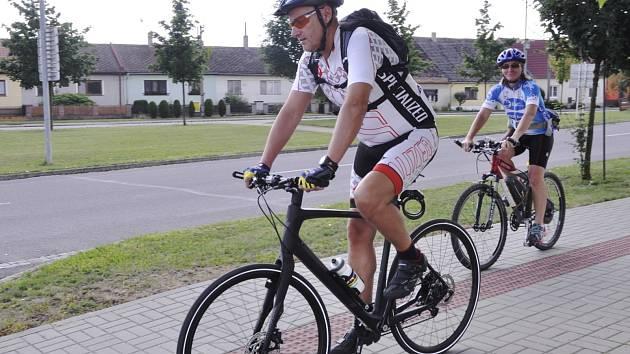 Správci cyklostezky a někteří nadšenci projeli na kole trasu z Brna do Vídně a zmapovali její značení. Zjistili přitom některé nedostatky na rakouské straně.