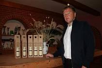 Tisíc sto lahví od valtického vinaře Ludvíka Budína míří do Vatikánu.