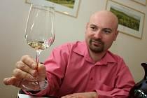 Degustace vín na Valtické vinné trhy.