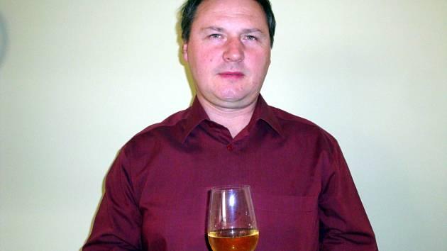Vinař Jiří Rusnok z Velkých Bílovic.