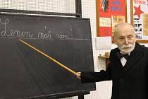 V břeclavském muzeu pod vodárnou je k vidění, jak vypadala třída za Masaryka, ale i dobové učební pomůcky.