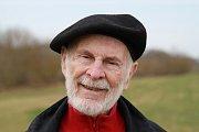 Malíř Antonín Vojtek slaví 85. narozeniny.