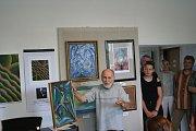 Antonín Vojtek na vernisáži představil několik desítek obrazů. K jednomu z jeho složil skladatel a klavírista Jan Šimíček originální hudbu.