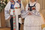 V jízdárnách valtického zámku v pátek převzali zástupci jednotlivých vinařství ocenění za úspěšné hodnocené vzorky Valtických vinných trhů. Poté následovala degustace vín.