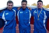 Ondřej Vodák (vlevo) s Erikem Veselým (uprostřed) už oblékli i reprezentační dres České republiky.