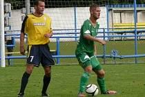 Břeclavští fotbalisté (ve žlutém) - ilustrační foto.
