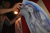 Výstava erotických kreseb v klubu Kafé Piksla.