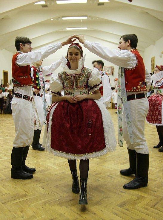 Ještě loni se lidé v Morkůvkách sešli na Krojovaném plese.