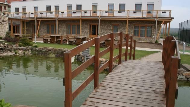 Nová přístavba hotelu Kraví hora.