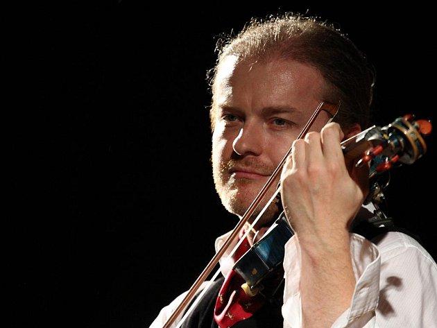 Koncert Pavla Šporcla a kapely Romano Stilo v Mikulově.