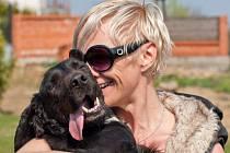 Devětatřicetiletá Andrea Černá z Lanžhota založila centrum dočasné péče o psy a kočky.