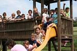 Drasenhofenskou mateřinku navštěvuje i šestnáct českých dětí. Kromě němčiny se tu budoucí školáci učí i česky.