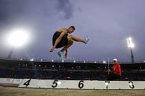 Radek Juška letos doskočil nejdál 811 centimetrů, na olympiádu potřeboval doletět ještě o jedenáct víc.