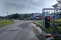 V křižovatce mezi obcemi Zaječí a Přítluky přibyly semafory.