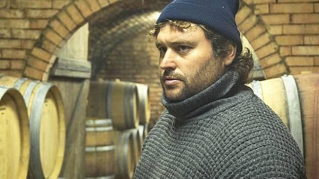 Vinař Pavel Springer má s vínem bohaté zkušenosti. K vinařství ho přívedl v deseti letech jeho otec.