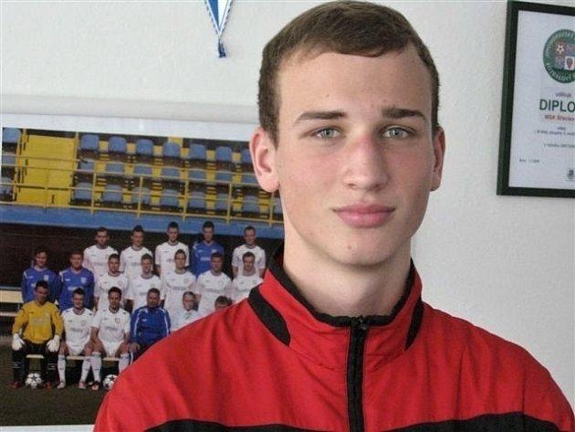 Vojtěch Hovězák, šestnáctiletý levý obránce fotbalové devatenáctky MSK Břeclav.
