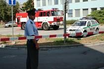 Finanční úřad v Břeclavi obklíčili policisté i hasiči