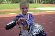 Hustopečské mažoretky Lady Stars přivezli z Mistrovství světa v Praze hned několik cenných kovů.