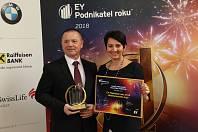 František Fabičovic a Radka Prokopová, spolumajitelé společnosti Alca plast, s.r.o. a držitelé titulu EY Podnikatel roku 2018 Jihomoravského kraje.