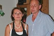 Hrušecký vinař Jiří Šmerák se svou družkou Jarmilou Eisovou.