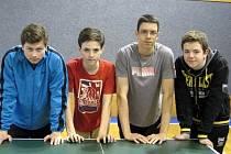Družstvo dorostenců oddílu stolního tenisu MSK Břeclav, suverénního vítěze finále přeboru Břeclavska.