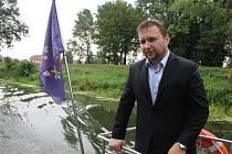 V Břeclavi v pondělí začaly práce zvyšující zabezpečení před případnými povodněmi. Potrvají dva roky. Slavnostního zahájení se zúčastnil i ministr zemědělství Marian Jurečka.