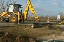 Bez omezení projedou řidiči po silnici I/52 u Aqualandu Moravia v Pasohlávkách na Brněnsku. Práce tam skončí v pondělí.