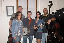 Country bluegrassová skupina Popojedem.