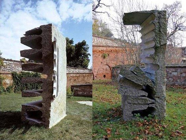 Opočenského socha před a po zničení.
