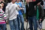 Protestní pochod Břeclaví je reakci na zbití patnáctiletého chlapce trojicí útočníků, z nichž minimálně jeden měl být Rom.