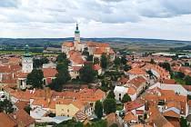Pěkné výhledy na mikulovský zámek i okolí města nabízí Kozí hrádek.