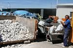 Kvůli dočasně uzavřenému sběrnému dvoru žádají Břeclavští o odložení velkých jarních úklidů- Foto: ilustrační foto: archív Deníku