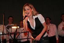 Sobotní koncert nazvaný Balada o rudém vínu nabídl ve velkopavlovické sokolovně pestrý program.