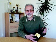 """""""S přiměřeným množstvím kvalitního vína nelze zažít špatnou chvíli,"""" říká Průša."""