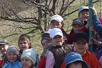 Louky pod Kumstátem lákají k návštěvám také děti z krumvířské základní a mateřské školy