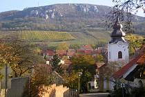 Obec Bavory je jednou z nejmenších v Chráněné krajinné oblasti Pálava.