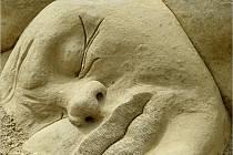 V Lednici jsou opět k vidění sochy Michala Olšiaka inspirované letos surrealismem.