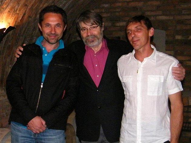 Tvrdonický vinař Pavel Kosík (vlevo).