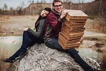 Co je v objednané krabici, se zákazníci dozví až po jejím otevření. Autoři projektu Zajíci v krabici, Petra Šťastná a Václav Šašvata, však chtějí lidem každý měsíc přinášet zajímavé a zdravé potraviny. A trochu překvapení k tomu.