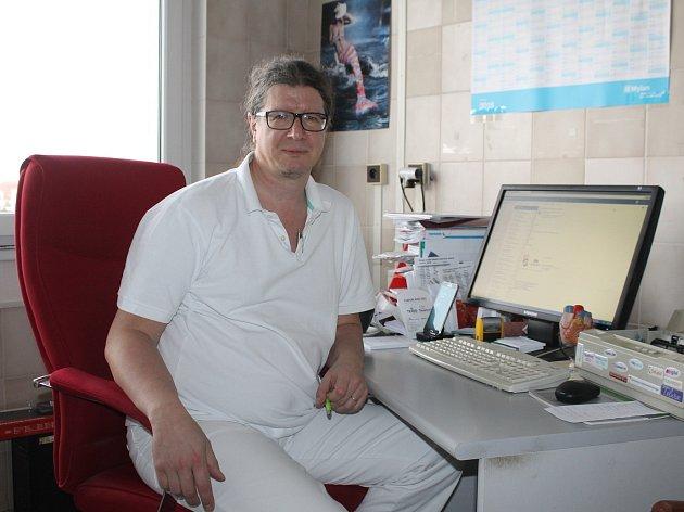 Zástupce primáře interního oddělení břeclavské nemocnice a lékař tamní kardiologické ambulance Vladan Ryšavý.