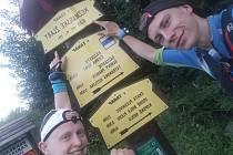 Dominik Skokan z Týnce na Břeclavsku a Tomáš Štverák ze Zubří na Vsetínsku přeběhli Vysoké Tatry za necelých čtyřicet hodin, kdy bez spánku urazili sto dvacet kilometrů.
