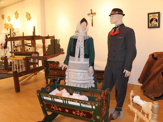 V prostorách Galerie v podkroví v břeclavském Lichtenštejnském domě je nová výstava. Návštěvníci v čele s princem Wolfgangem si prohlédli i nové prostory Turistického informačního centra.