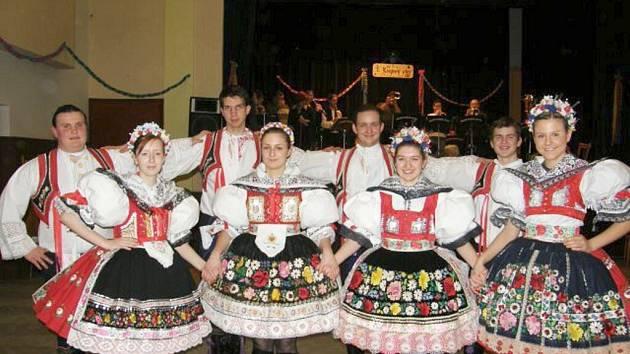 Krojový ples v Drnholci.