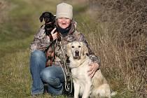 Valtická pečovatelka a fotografka Renata Hasilová se věnuje canisterapii, při níž psi pomáhají starším osamělým lidem. Téma i fotí a se snímkem Psi pro duši vyhrála v soutěži Czech Press Photo Cenu diváků.