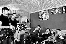 Formace 7D vznikla letos na Nový rok. Přesto si mladá kapela troufla na skladby s anglickými texty.
