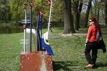 Okolí zámečku Pohansko ozdobila originální díla z kovového odpadu.