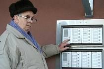 Elektrikář Jozef Dorica z Břeclavi žádá pětadvacet tisíc korun.